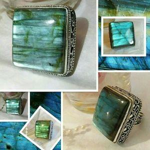 Glowing Emerald Huge Labradorite Vintage Ring